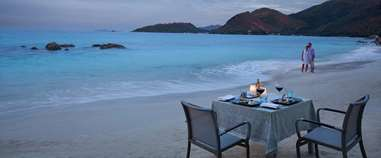 /Media/SpecialOfferHotels/RAF---Romantic-Dinner-on-the-Beach_web_1210x500.jpg